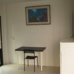 Rest 3 - Hostel Бангкок удобства в номере