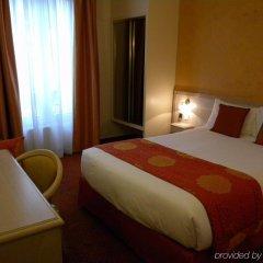 Отель Champerret Elysees Париж комната для гостей фото 2
