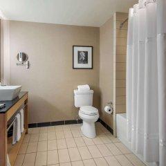 Отель Cambria Hotel Akron - Canton Airport США, Юнионтаун - отзывы, цены и фото номеров - забронировать отель Cambria Hotel Akron - Canton Airport онлайн ванная фото 2