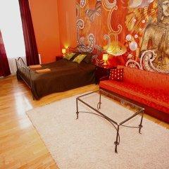 Апартаменты Chic Tarragon Apartments комната для гостей фото 4