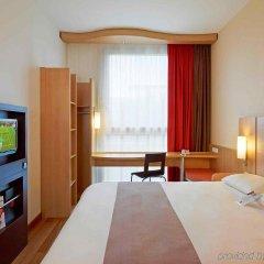 Отель Ibis Warszawa Reduta Польша, Варшава - 13 отзывов об отеле, цены и фото номеров - забронировать отель Ibis Warszawa Reduta онлайн комната для гостей фото 2