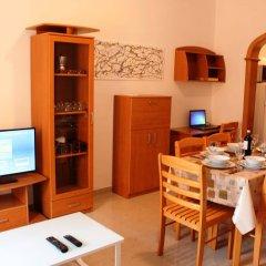 Апартаменты Bluewaters apartments Слима комната для гостей