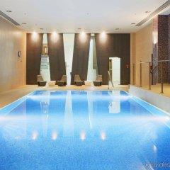 Отель Holiday Inn London Kings Cross / Bloomsbury бассейн