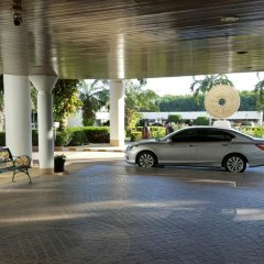Отель Sunshine Beach Condotel by Komtana На Чом Тхиан парковка