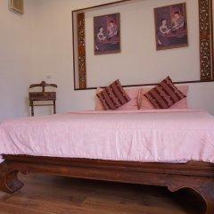 Отель Phuket Airport Suites & Lounge Bar - Club 96 Номер Делюкс с различными типами кроватей