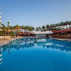 Отель Cavo Maris Beach бассейн