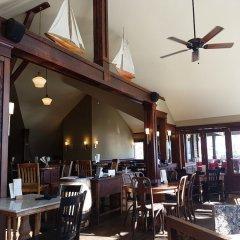 Отель Spinnakers Gastro Brewpub & GuestHouses Канада, Виктория - отзывы, цены и фото номеров - забронировать отель Spinnakers Gastro Brewpub & GuestHouses онлайн гостиничный бар