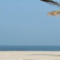 Отель Dana Al Buhaira Beach Hotel ОАЭ, Шарджа - отзывы, цены и фото номеров - забронировать отель Dana Al Buhaira Beach Hotel онлайн пляж фото 2