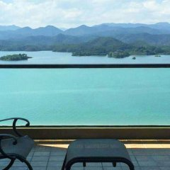 Апартаменты Bedom Apartment (Hangzhou Qiandao Lake) бассейн фото 2