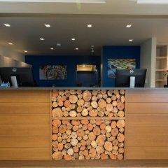 Отель Accent Inns Victoria Канада, Саанич - отзывы, цены и фото номеров - забронировать отель Accent Inns Victoria онлайн интерьер отеля фото 2