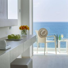 King Evelthon Beach Hotel & Resort в номере фото 2