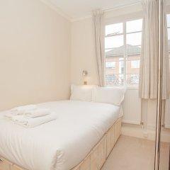 Апартаменты Bright 2 Bedroom Apartment Near Regents Park комната для гостей