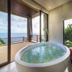 Отель Paresa Resort Phuket 5* Стандартный номер с различными типами кроватей фото 3