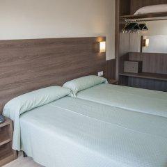 Отель Apartamentos Loar Ferreries комната для гостей