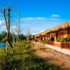 Отель Riverside @ Hsipaw Resort фото 3