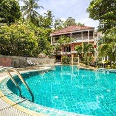 Baan Lukkan Hostel бассейн фото 3