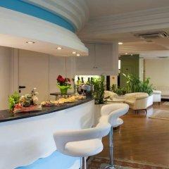 Hotel City Монтезильвано гостиничный бар