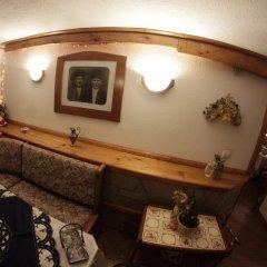 Отель Dobrikovskata Guest House Болгария, Чепеларе - отзывы, цены и фото номеров - забронировать отель Dobrikovskata Guest House онлайн интерьер отеля фото 3