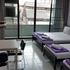 De Talak Hostel Бангкок комната для гостей фото 4
