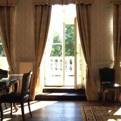 Отель Dwór Sieraków комната для гостей фото 2
