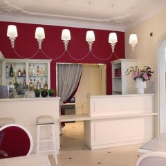 Hotel Queen Mary Paris гостиничный бар