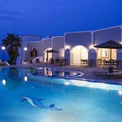 Отель Maistros Village Греция, Остров Санторини - отзывы, цены и фото номеров - забронировать отель Maistros Village онлайн бассейн фото 3
