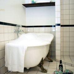 Отель Carlton Hotel Guldsmeden Дания, Копенгаген - отзывы, цены и фото номеров - забронировать отель Carlton Hotel Guldsmeden онлайн ванная фото 2