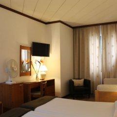 Отель Windsor Португалия, Фуншал - отзывы, цены и фото номеров - забронировать отель Windsor онлайн удобства в номере