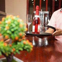 Отель Batuta Maldives Surf View Guest House Мале гостиничный бар