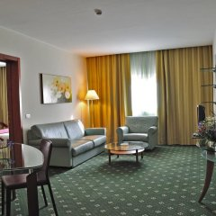 Oly Hotel комната для гостей