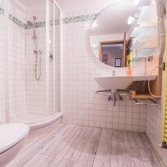 Отель A Few Steps to The Duomo Elegant 2BD Apt Италия, Флоренция - отзывы, цены и фото номеров - забронировать отель A Few Steps to The Duomo Elegant 2BD Apt онлайн ванная