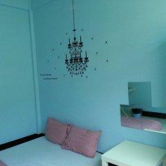 Baan Nampetch Hostel Бангкок комната для гостей