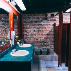 Отель The Cambie Hostel Seymour Канада, Ванкувер - отзывы, цены и фото номеров - забронировать отель The Cambie Hostel Seymour онлайн ванная