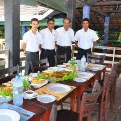 Отель Laluna Ayurveda Resort Шри-Ланка, Бентота - отзывы, цены и фото номеров - забронировать отель Laluna Ayurveda Resort онлайн питание фото 2
