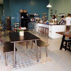 Hom Hostel & Cooking Club Бангкок гостиничный бар
