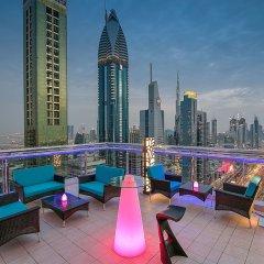 Отель Four Points By Sheraton Sheikh Zayed Road ОАЭ, Дубай - 1 отзыв об отеле, цены и фото номеров - забронировать отель Four Points By Sheraton Sheikh Zayed Road онлайн бассейн фото 3