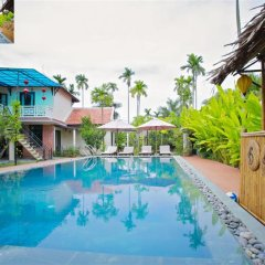 Отель Hoi An Red Frangipani Villa бассейн
