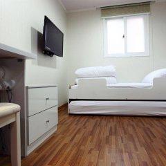 Отель Chloe Guest House Южная Корея, Сеул - отзывы, цены и фото номеров - забронировать отель Chloe Guest House онлайн сейф в номере