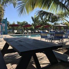 Отель Days Inn by Wyndham Sarasota Bay пляж