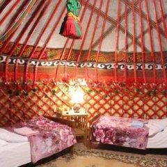 Отель Happy Nomads Yurt Camp Кыргызстан, Каракол - отзывы, цены и фото номеров - забронировать отель Happy Nomads Yurt Camp онлайн комната для гостей фото 2