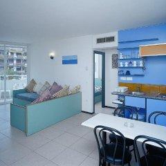Отель Apartamentos Sun & Moon (Ex Xaine Sun) Испания, Льорет-де-Мар - отзывы, цены и фото номеров - забронировать отель Apartamentos Sun & Moon (Ex Xaine Sun) онлайн комната для гостей фото 3