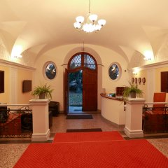 Hotel U Svatého Jana интерьер отеля