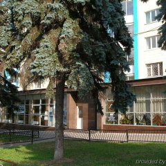 Отель Голосеевский Киев вид на фасад