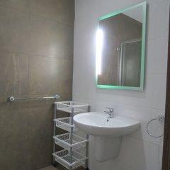 Отель 115 The Strand Suites ванная