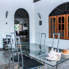 Отель Negombo Village гостиничный бар