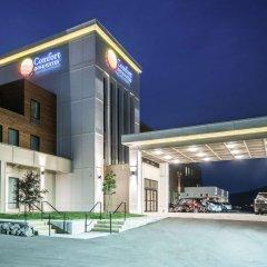 Отель Comfort Inn & Suites бассейн фото 3