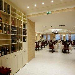 Отель Strimon Garden SPA Hotel Болгария, Кюстендил - 1 отзыв об отеле, цены и фото номеров - забронировать отель Strimon Garden SPA Hotel онлайн развлечения
