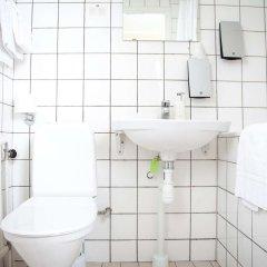 Отель Sure Hotel by Best Western Savoy Karlstad Швеция, Карлстад - отзывы, цены и фото номеров - забронировать отель Sure Hotel by Best Western Savoy Karlstad онлайн ванная