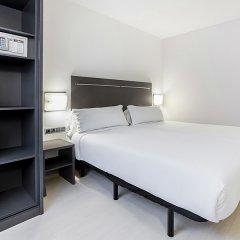 B&B Hotel Barcelona Rubi сейф в номере