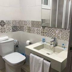 Отель Planas Испания, Салоу - 4 отзыва об отеле, цены и фото номеров - забронировать отель Planas онлайн ванная фото 2